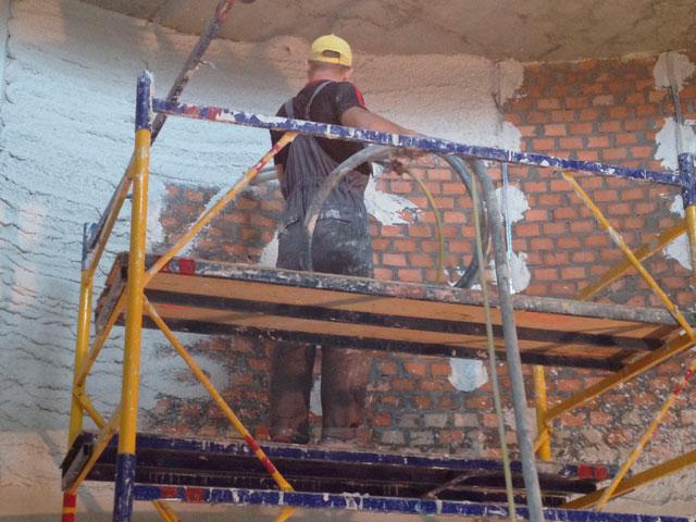 машинная штукатурка стен